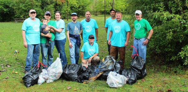 2015 Clinton River Clean-Up Volunteers